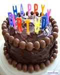 کیک تولد خوشمزه کاکائویی