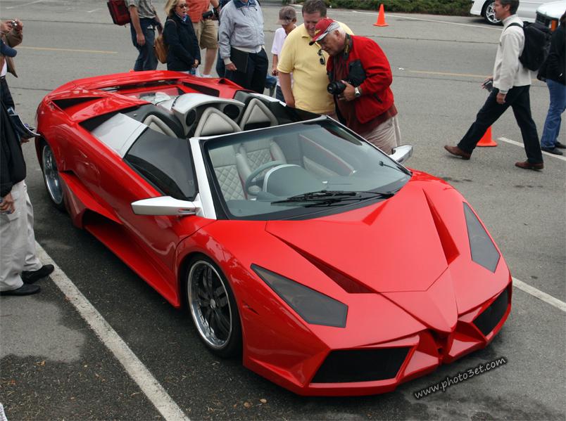 ماشین اسپرت قرمز رنگ شیک باکلاس
