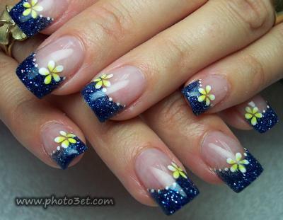 آرایش زیبا روی ناخن دست