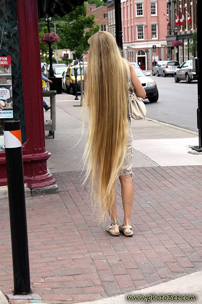 عکس دختر خارجی مو بلند و بور